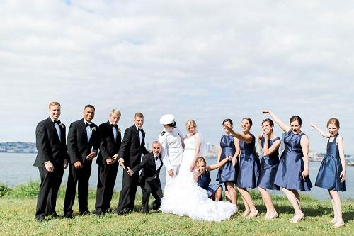 16-5-Looch-Lauren-Worl-Seattle-Wedding-Photography-Nicole-Barkis-Photographer-First-Look-134