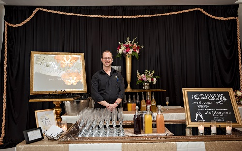 A fun bubbly bar accompanied by beautiful hand-crafted chalkboards from Chalk Boss