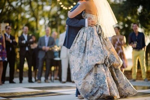Image by Sean Money + Elizabeth Fay via Bridal Musings